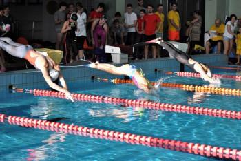 Přerov hostil Mikulášský pohár přerovského primátora v ploutvovém plavání