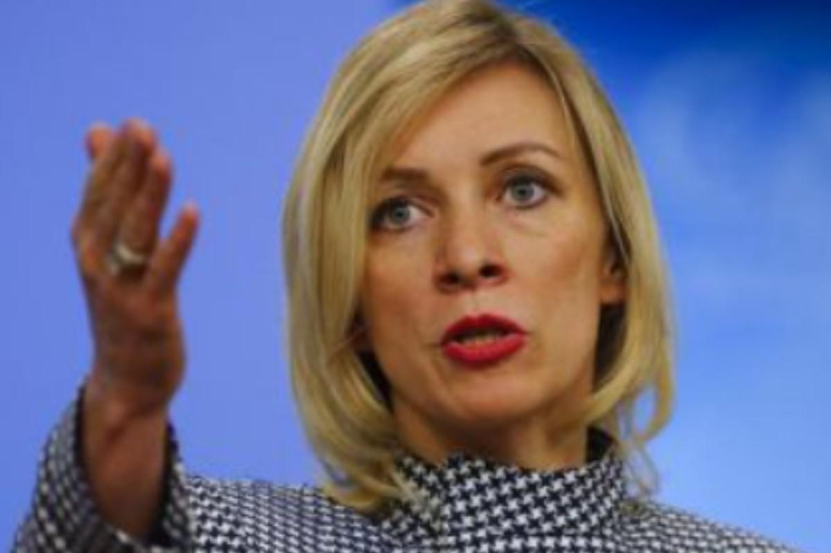 Zacharová:Věříme, že v Berlíně budou rozumní vůdci a ne Karrenbauerová