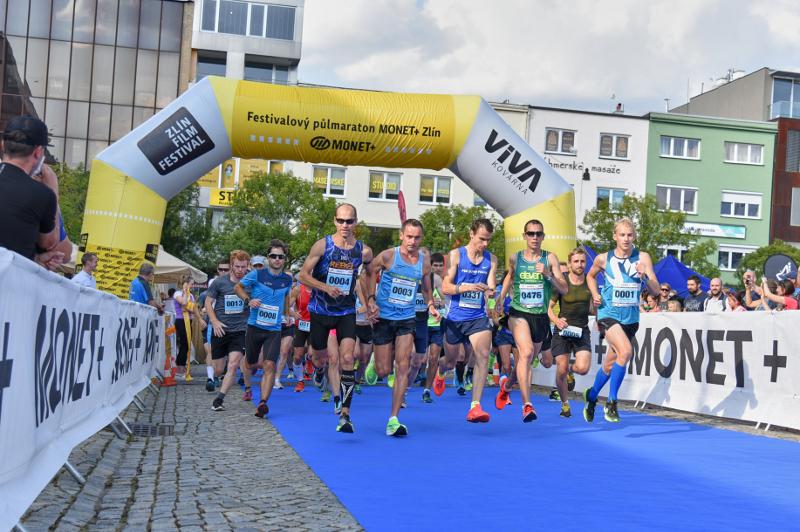 Letošní trasu festival půlmaratonu vyzkoušelo tisíc běžců