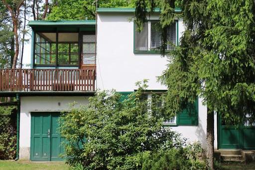 Středočeský kraj prověří možnosti odkupu a využití Hrabalovy chaty