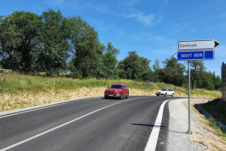Řidičům slouží nový severozápadní obchvat Zákup